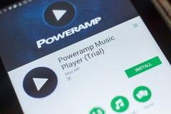 Ryazan, Rusland - Mei 16, 2018: De Speler mobiele app van de Powerampmuziek op de vertoning van tabletpc Stock Foto's