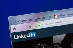 Ryazan, Rusland - Mei 13, 2018: Linkedinwebsite op de vertoning van PC, url - Linkedin com stock fotografie
