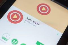 Ryazan, Rusland - Mei 16, 2018: YesPlayer mobiele app op de vertoning van tabletpc Stock Fotografie