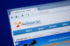 Ryazan, Rusland - September 09, 2018: Homepage van de website van de Advertentiereactor op de vertoning van PC, url - AdReactor c royalty-vrije stock foto