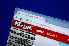 Ryazan, Rusland - September 09, 2018: Homepage van Den Of Geek-website op de vertoning van PC, url - DenOfGeek com stock foto