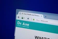 Ryazan, Rusland - September 09, 2018: Homepage van Dr. Axe-website op de vertoning van PC, url - DrAxe com stock foto's