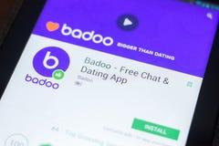 Ryazan, Russland - 19. April 2018 - Badoo - geben Sie Chat und die Datierung beweglicher APP auf der Anzeige des Tablet-PCs frei stockbilder