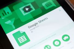 Ryazan, Russland - 24. Juni 2018: Google bedeckt bewegliche APP auf der Anzeige des Tablet-PCs stockfoto