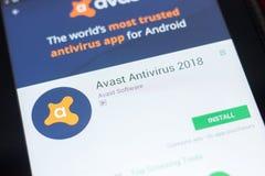 Ryazan Ryssland - April 19, 2018 - Avast mobil app på skärmen av minnestavlaPC:N royaltyfria bilder