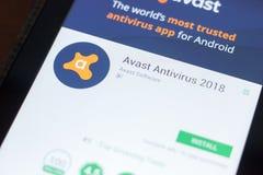 Ryazan Ryssland - April 19, 2018 - Avast mobil app på skärmen av minnestavlaPC:N arkivbild