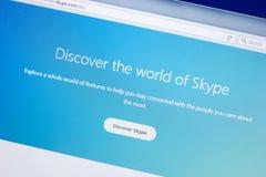 Ryazan Ryssland - April 29, 2018: Homepage av den Skype websiten på skärmen av PC:N, url - Skype com arkivbilder