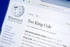 Ryazan Ryssland - Augusti 28, 2018: Wikipedia sida om Nat King Cole på skärmen av PC:N royaltyfri foto