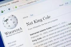 Ryazan Ryssland - Augusti 28, 2018: Wikipedia sida om Nat King Cole på skärmen av PC:N royaltyfri fotografi