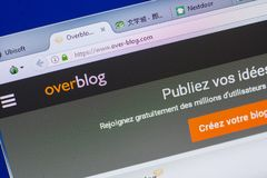 Ryazan Ryssland - Maj 13, 2018: Över-blogg website på skärmen av PC:N, url - Över-blogg com Arkivfoto