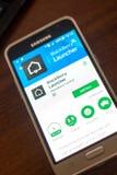 Ryazan Ryssland - Maj 04, 2018: Blackberry Launchermobil app på skärmen av mobiltelefonen fotografering för bildbyråer