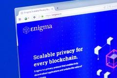 Ryazan Ryssland - mars 29, 2018 - Homepage av Enigma crypto valuta på skärmen av PC:N, rengöringsduk - mysterium Co arkivfoton