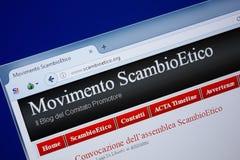 Ryazan Ryssland - September 09, 2018: Homepage av den Scambio Etico websiten på skärmen av PC:N, url - ScambioEtico org arkivbilder