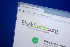 Ryazan Ryssland - September 09, 2018: Homepage av den svarta doktorswebsiten på skärmen av PC:N, url - BlackDoctor org arkivbilder