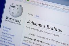 Ryazan Ryssland - September 09, 2018 - Wikipedia sida om Johannes Brahms på en skärm av PC:N royaltyfria bilder