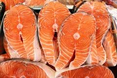 Ryba świeżej ryby tła tekstura Przepasuje i sieka rybich, rybich skal folującą ramę z kopii przestrzenią, Nikulden świętowanie ka zdjęcie stock
