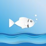 Ryba na ocean fala papieru sztuki stylu Zdjęcia Royalty Free