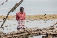 Rybacy działają Chińską sieć rybacką Fotografia Royalty Free