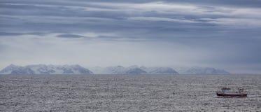Rybacy Grimsey przychodzą do domu Zdjęcie Royalty Free