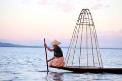 Rybacy przy Inle jeziorem Obrazy Royalty Free