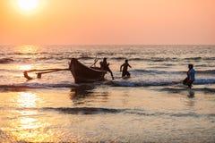 Rybacy z chwytem w Goa zdjęcie stock