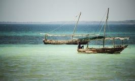 Rybak łodzie w oceanie indyjskim Kwale wyspa zanzibar Tanzania Obraz Royalty Free
