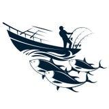Rybak w łodzi łapie tuńczyka Zdjęcie Stock