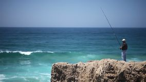 Rybak w oceanie zbiory wideo