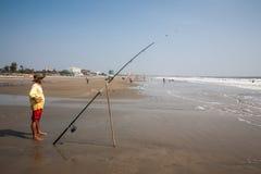 Rybak z przędzalnictwem blisko morza Obraz Stock