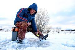 Rybak zima na jeziorze Fotografia Royalty Free