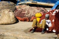 Rybaka dosypianie w schronieniu w Essaouira Obraz Royalty Free