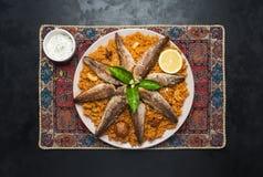 Rybi Biryani Saudyjczyk - arabski Rybi Kabsa Odgórny widok zdjęcia royalty free