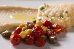 Rybi naczynie - smażący rybi polędwicowy z warzywami Obraz Stock