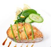 Rybi naczynie - smażący rybi polędwicowy z warzywami Fotografia Royalty Free