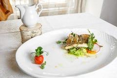 Rybi naczynie - smażący rybi polędwicowy zander Obraz Royalty Free