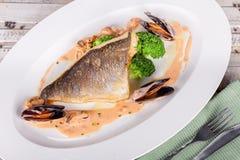 Rybi polędwicowy z owoce morza kumberlandem Obrazy Royalty Free
