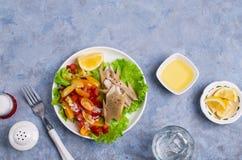 Rybi polędwicowy z surowymi warzywami Zdjęcie Royalty Free