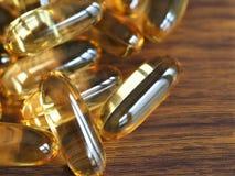 Rybiego oleju kapsuły, Omega-3 nadprogramy Zdjęcie Stock