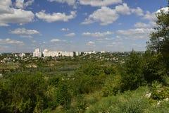 Rybnitsastad in Transnistria, op de linkeroever van de Rivier van Dniester Stock Foto's