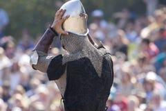 rycerz nosić hełm Obrazy Royalty Free