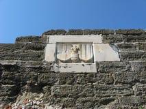 Rycerza symbol na ścianie Zdjęcie Royalty Free
