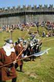 Rycerze w akci podczas rocznego Renesansowego festiwalu Zdjęcie Royalty Free