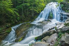 Ryczeć Biegać siklawy w Jefferson narodu lesie, Virginia, usa -2 obraz royalty free