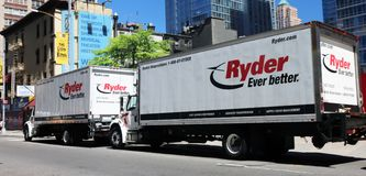 Ryder Trucks For Rent Royaltyfria Bilder