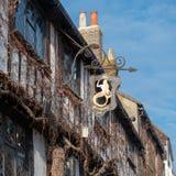 RYE, ВОСТОЧНОЕ SUSSEX/UK - 11-ОЕ МАРТА: Взгляд гостиницы русалки в Rye Стоковая Фотография RF