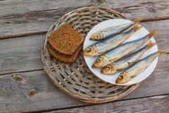 Rye-Brot und geräucherte Fische Lizenzfreie Stockfotografie