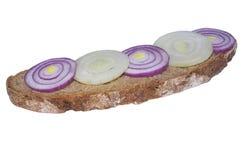 Rye-Brot und Zwiebelringe Lizenzfreie Stockfotografie