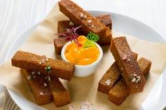Rye-Toast mit Salz Stockfotos