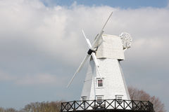 Rye-Windmühle durch den Fluss Tillingham Stockfotografie