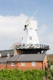 Rye-Windmühle durch den Fluss Tillingham Stockbilder